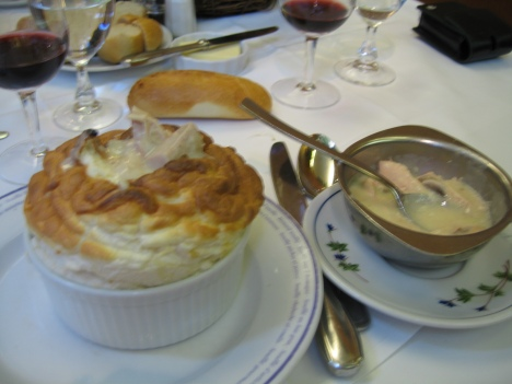Entree Souffle with chicken & mushrooms